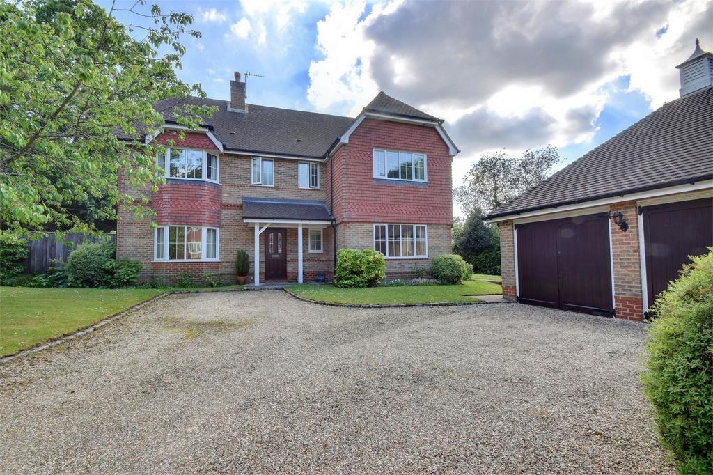 6 Bedrooms Detached House for sale in Plantation Road, Liss, Hampshire, England