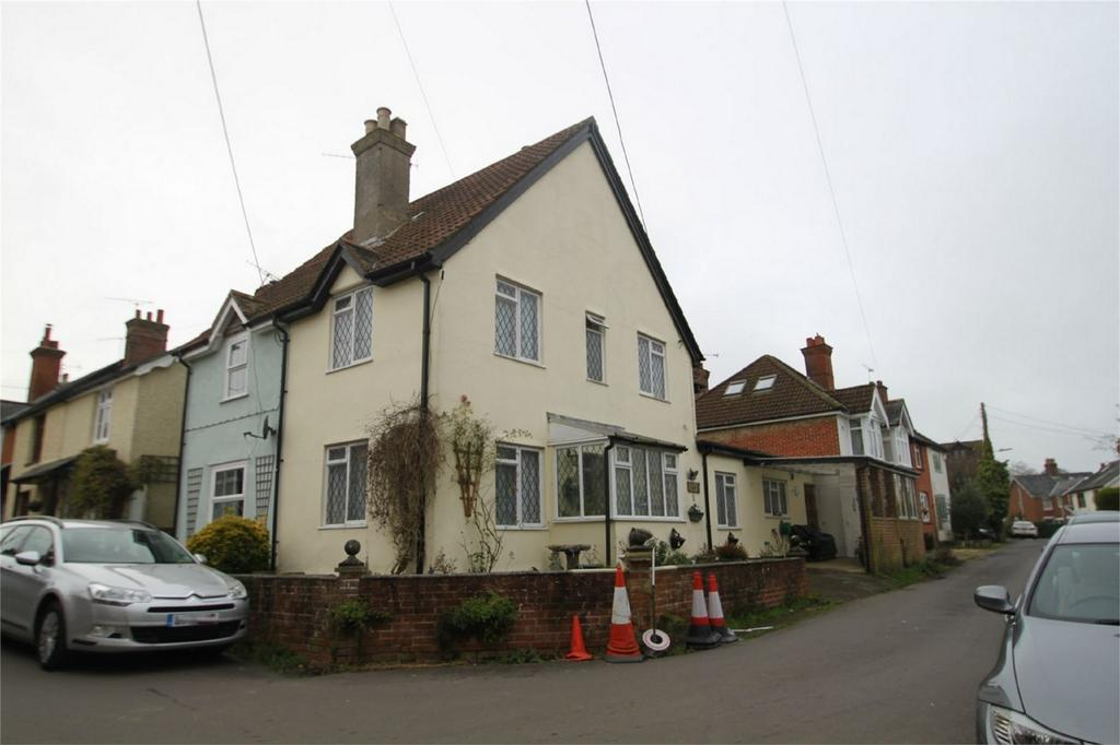 2 Bedrooms Cottage House for sale in LYNDHURST, Hampshire