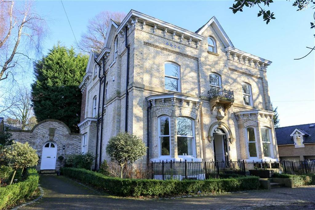 3 Bedrooms Penthouse Flat for rent in Millgate Lane, Didsbury, Manchester