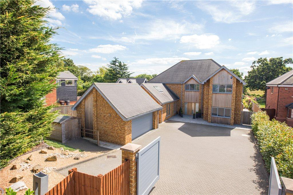 5 Bedrooms Detached House for sale in Village Road, Bromham, Bedford, Bedfordshire