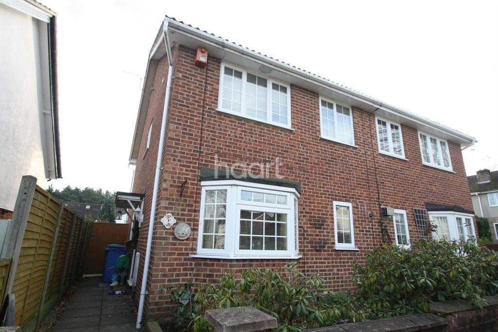 4 Bedrooms Semi Detached House for sale in Closeworth Road
