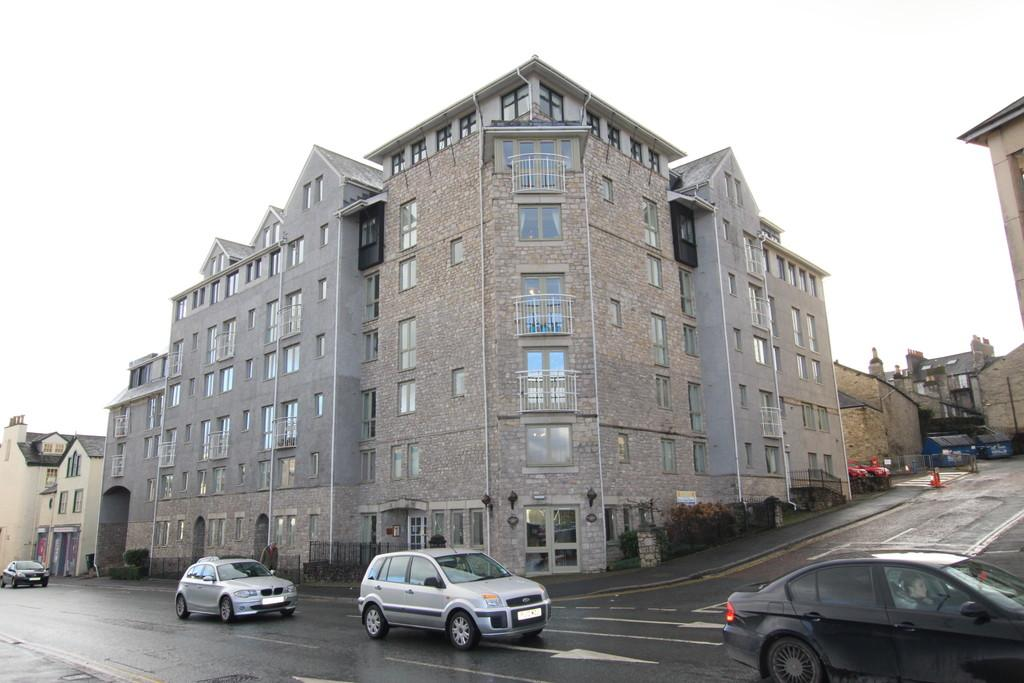 2 Bedrooms Apartment Flat for sale in 6 Blackhall Croft, Kendal