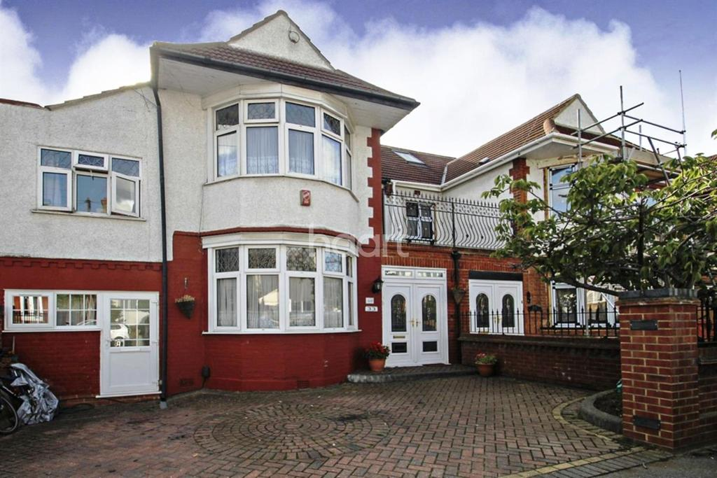 6 Bedrooms Semi Detached House for sale in Canterbury Avenue, Ilford, Essex
