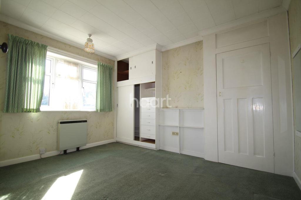 3 Bedrooms Detached House for sale in Mile Cross Lane