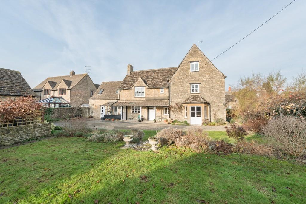 5 Bedrooms Farm House Character Property for sale in South Cerney