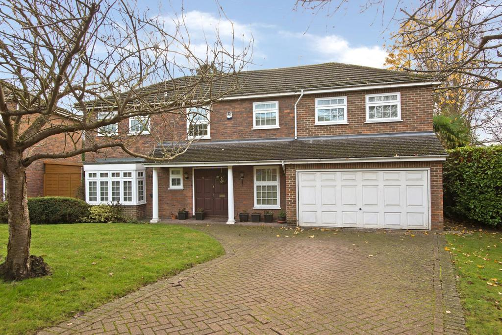 5 Bedrooms House for sale in Merrilyn Close, KT10