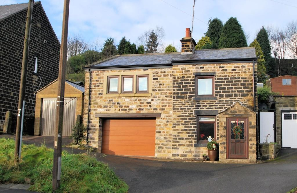 3 Bedrooms Cottage House for sale in Manchester Road, Thurlstone, Sheffield