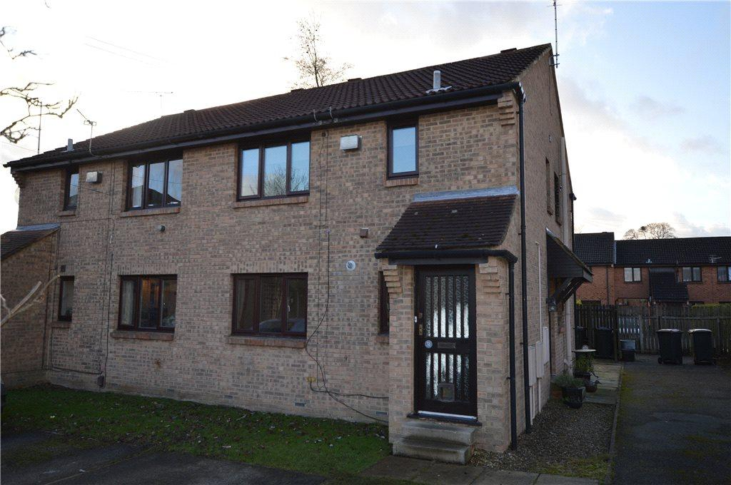 2 Bedrooms Apartment Flat for sale in Eavestone Grove, Harrogate, North Yorkshire