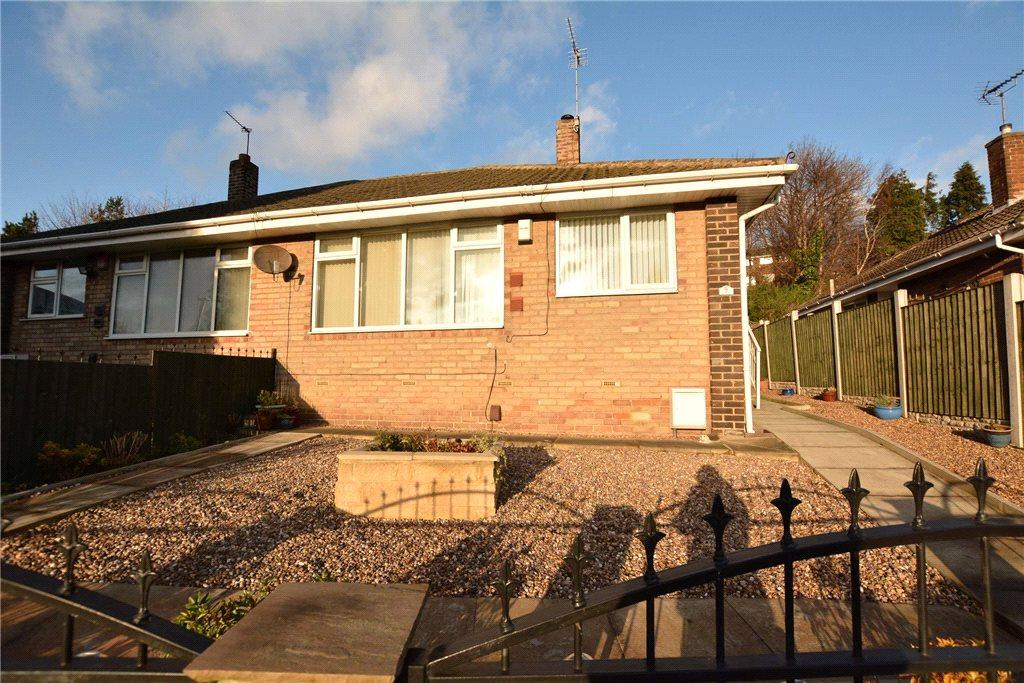 2 Bedrooms Semi Detached Bungalow for sale in Spring Valley Crescent, Bramley, Leeds