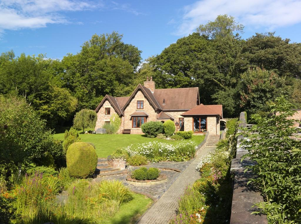 4 Bedrooms Detached House for sale in Gardeners Cottage, St Asaph, LL17 0ET