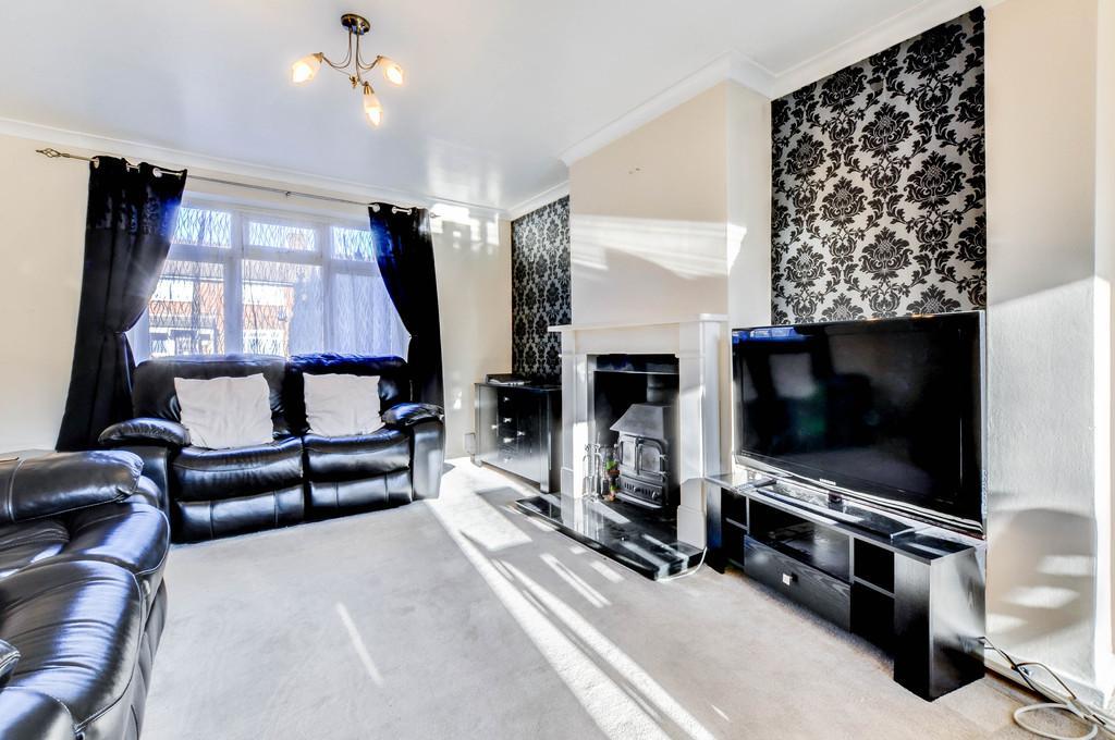 Rooms To Rent In Crawley Three Bridges