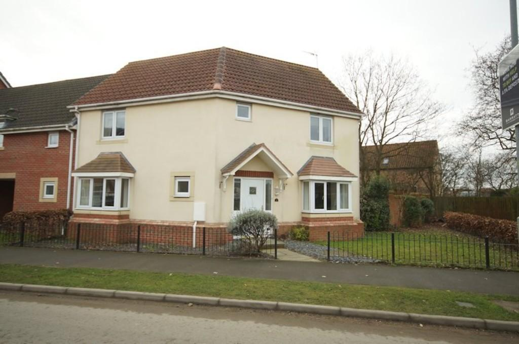 3 Bedrooms Semi Detached House for sale in Tiber Road, North Hykeham, Lincoln