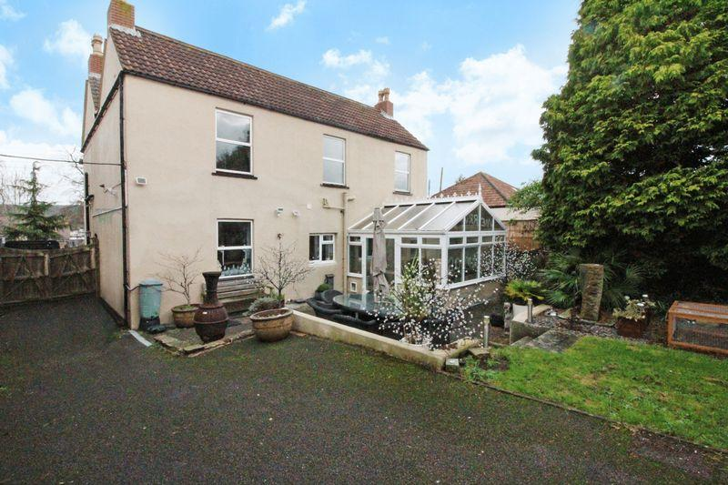 4 Bedrooms Detached House for sale in Silver Street, Nailsea