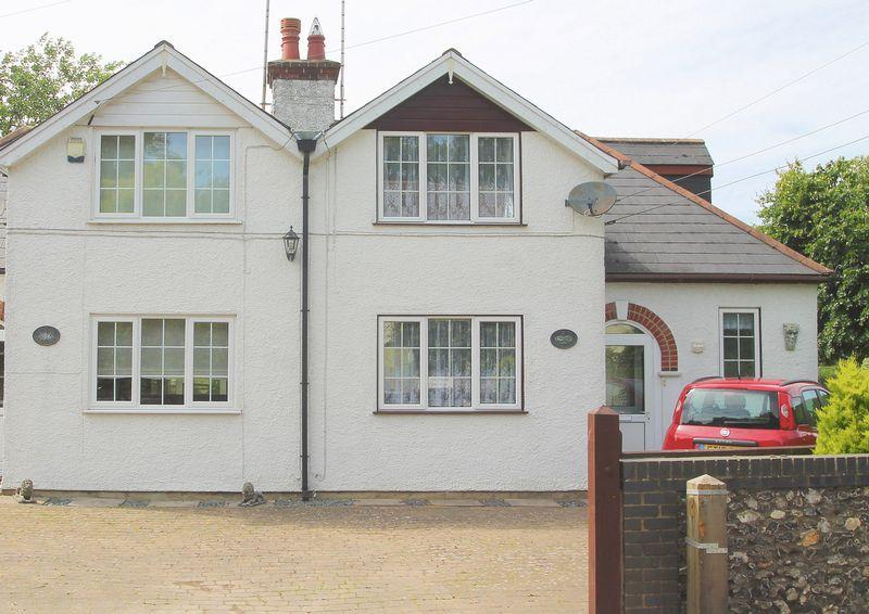 3 Bedrooms Semi Detached House for sale in Dover