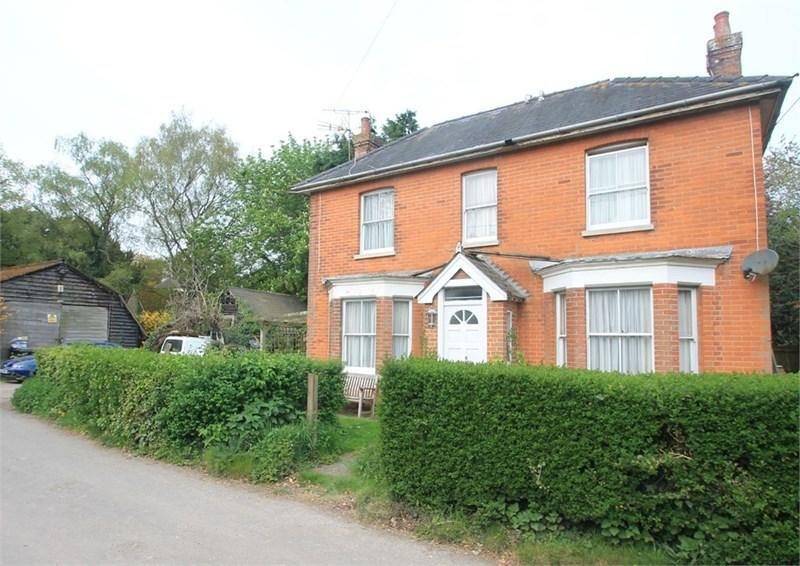 4 Bedrooms Detached House for sale in Adisham