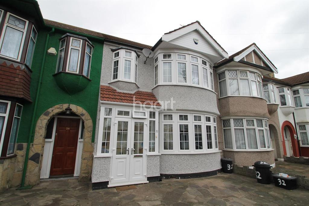 3 Bedrooms Terraced House for sale in Fairlop Road, Barkingside