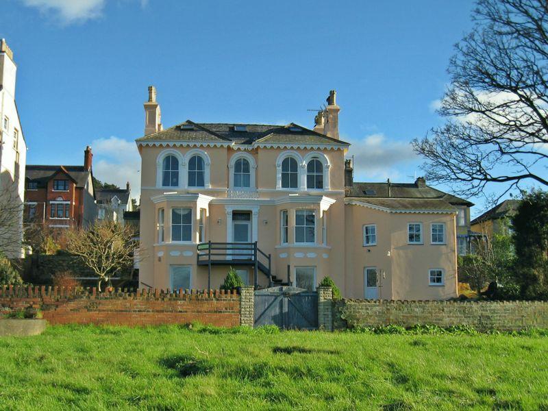 7 Bedrooms House for sale in Caernarfon, Gwynedd