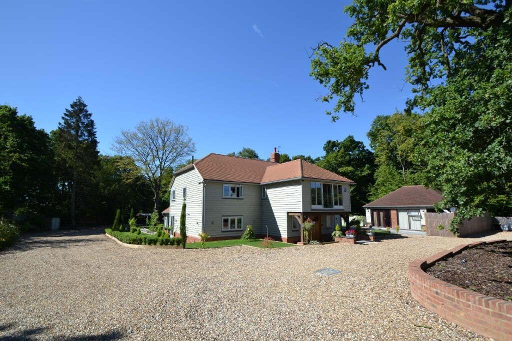 5 Bedrooms Detached House for sale in Lord Street, Hoddesdon, EN11
