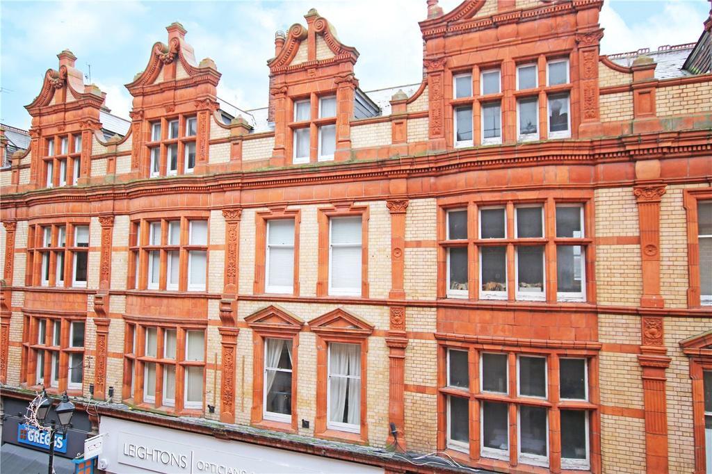 2 Bedrooms Flat for sale in Queen Victoria Street, Reading, Berkshire, RG1