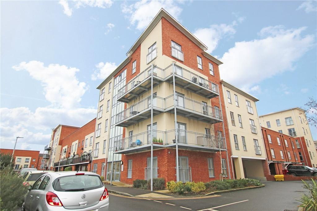 2 Bedrooms Flat for sale in Evesham House, Battle Square, Reading, Berkshire, RG30