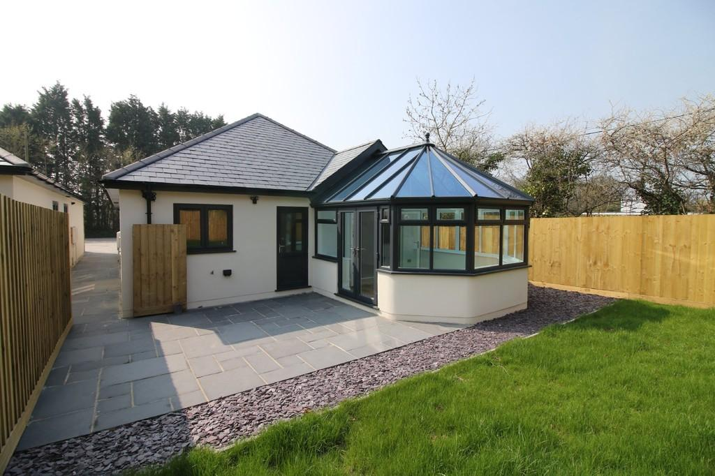 3 Bedrooms Detached Bungalow for sale in Broadway Road, Kingsteignton