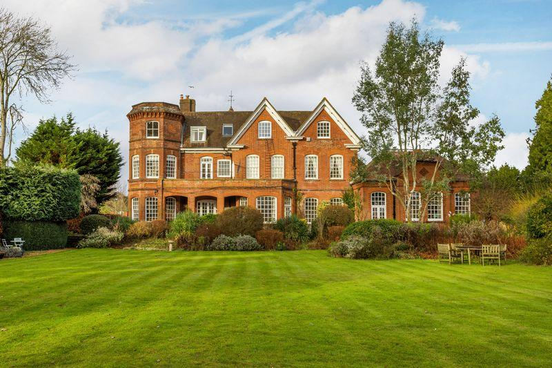 1 Bedroom Apartment Flat for sale in Shalford