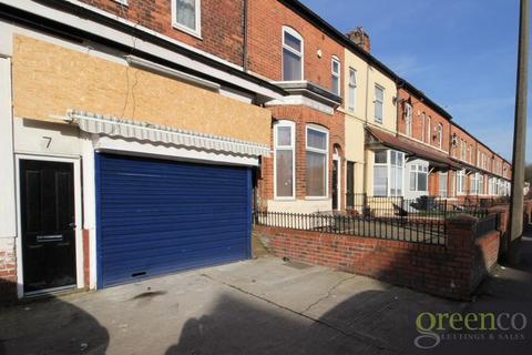 Studio to rent - Great Cheetham Street West, Salford