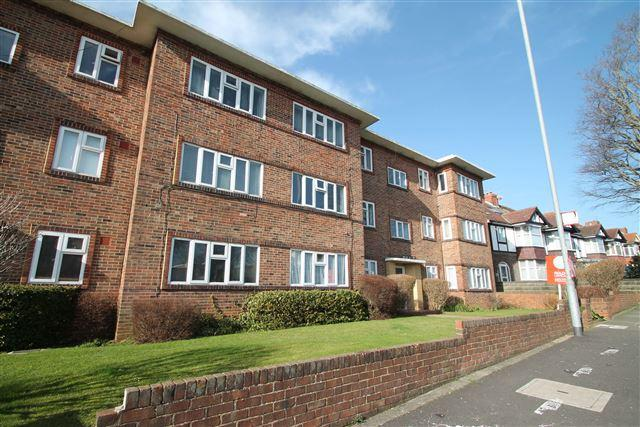 2 Bedrooms Flat for sale in Nevill Court, Nevill Road, Hove