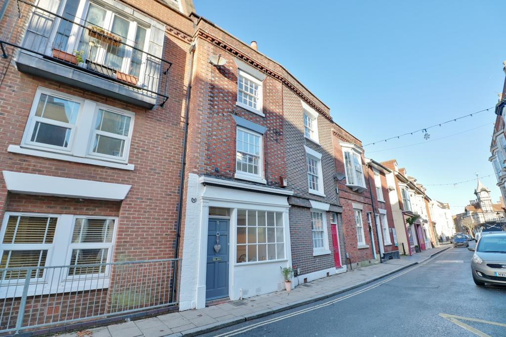 2 Bedrooms Terraced House for sale in Castle Road, Southsea