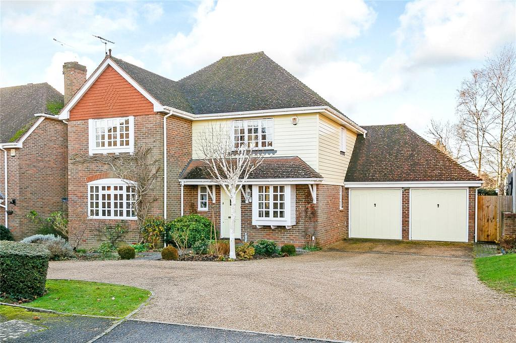 4 Bedrooms Detached House for sale in Bennetts, Bolney, Haywards Heath, West Sussex