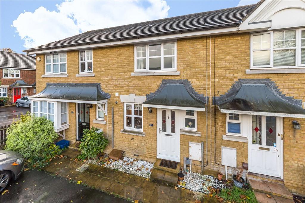 2 Bedrooms Terraced House for sale in Fielders Way, Shenley, Radlett, Hertfordshire