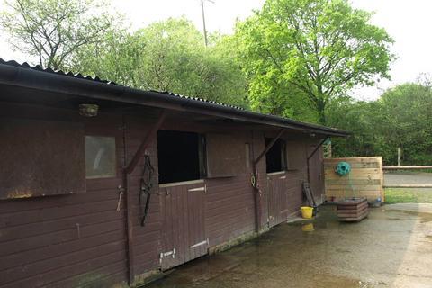 Equestrian facility for sale - Kings Nympton, Devon