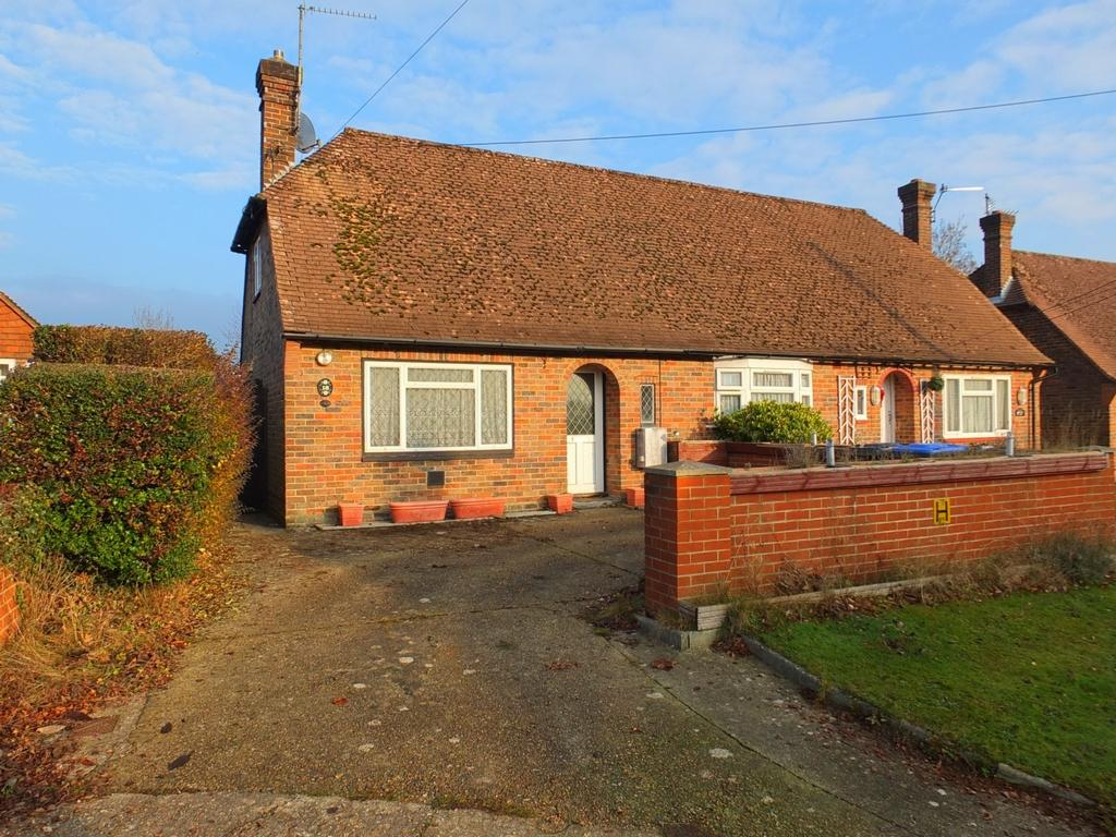 2 Bedrooms House for sale in Chestnuts Close, Lindfield, RH16