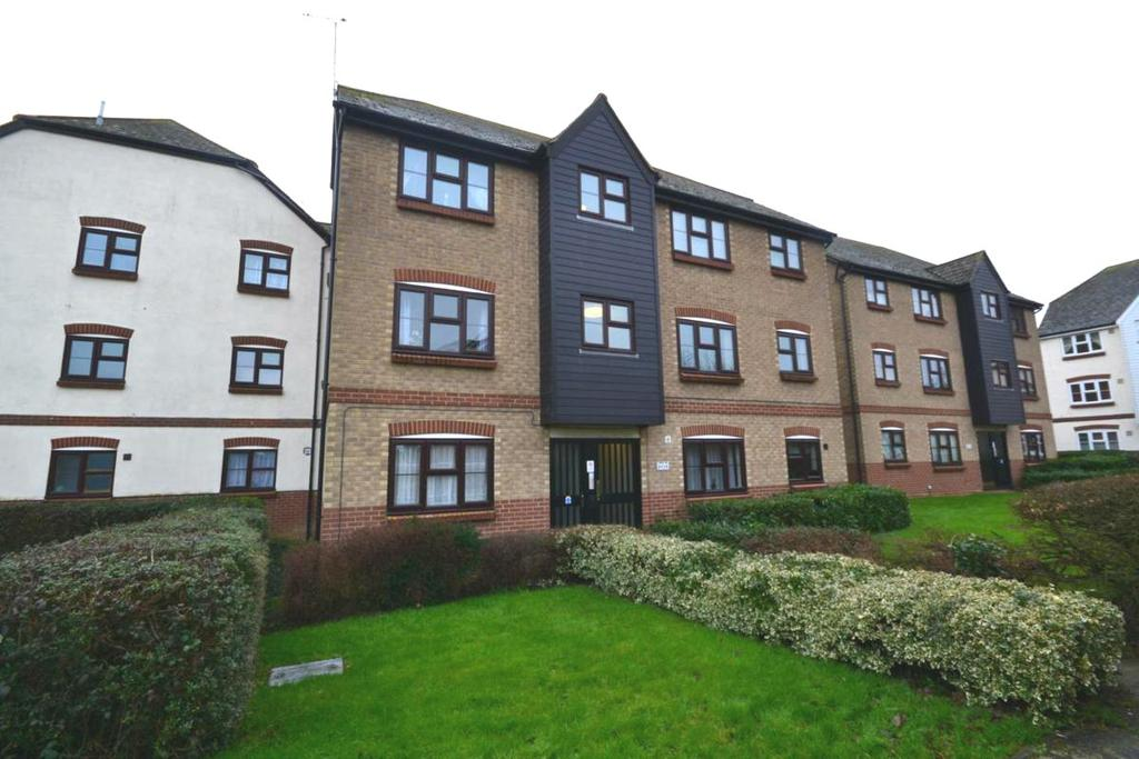 2 Bedrooms Apartment Flat for sale in Elderberry Gardens, Witham, Essex, CM8