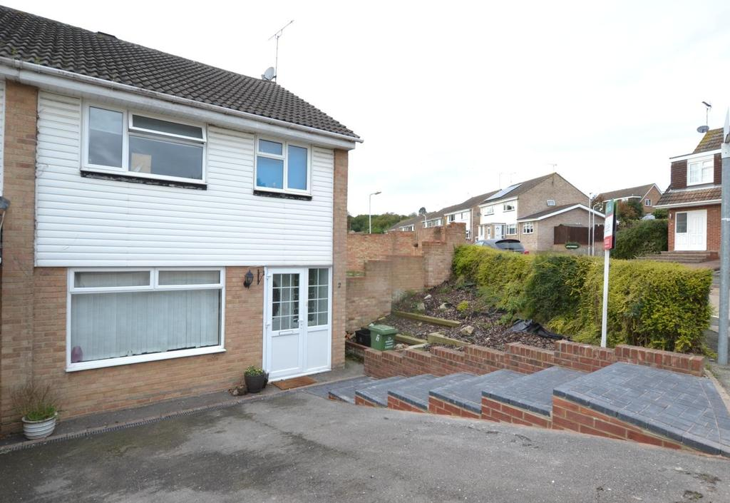3 Bedrooms Semi Detached House for sale in The Swallows, Billericay, Essex, CM11