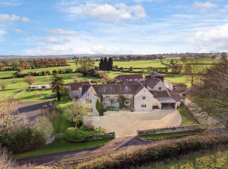 6 Bedrooms Detached House for sale in Between Castle Cary Glastonbury