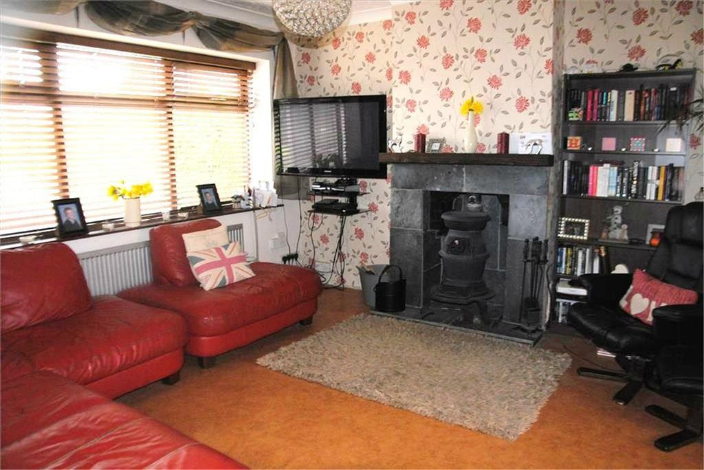 3 Bedrooms Semi Detached House for sale in Hopewell Road, Baldock, SG7