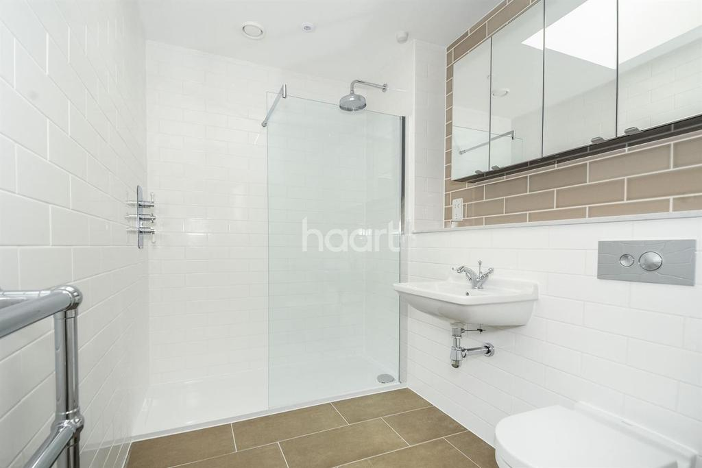 1 Bedroom Flat for sale in The Maltyard, Old Maltings Approach, IP12