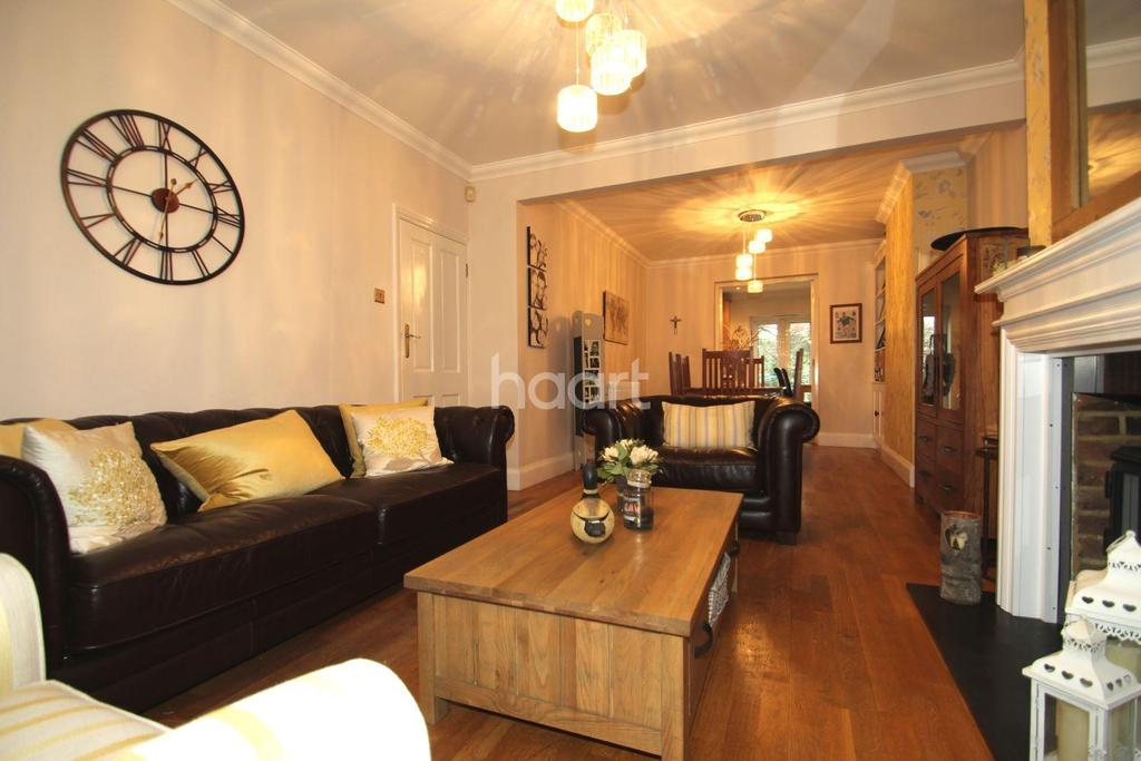 4 Bedrooms Semi Detached House for sale in Main Road