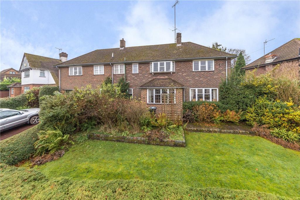 5 Bedrooms Detached House for sale in Lyndhurst Drive, Harpenden, Hertfordshire