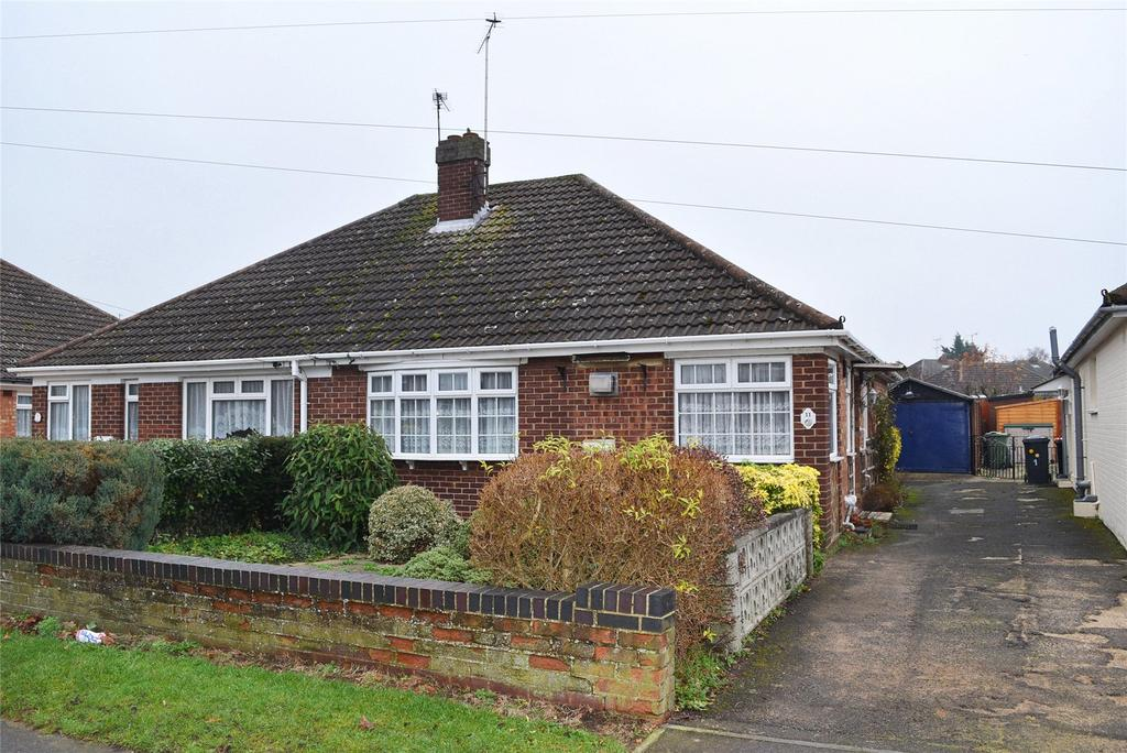 2 Bedrooms Semi Detached Bungalow for sale in Brooklands Drive, Leighton Buzzard