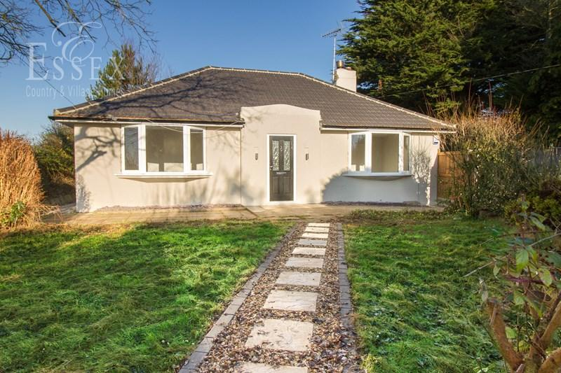3 Bedrooms Detached Bungalow for sale in Ipswich Road, Brantham, Manningtree