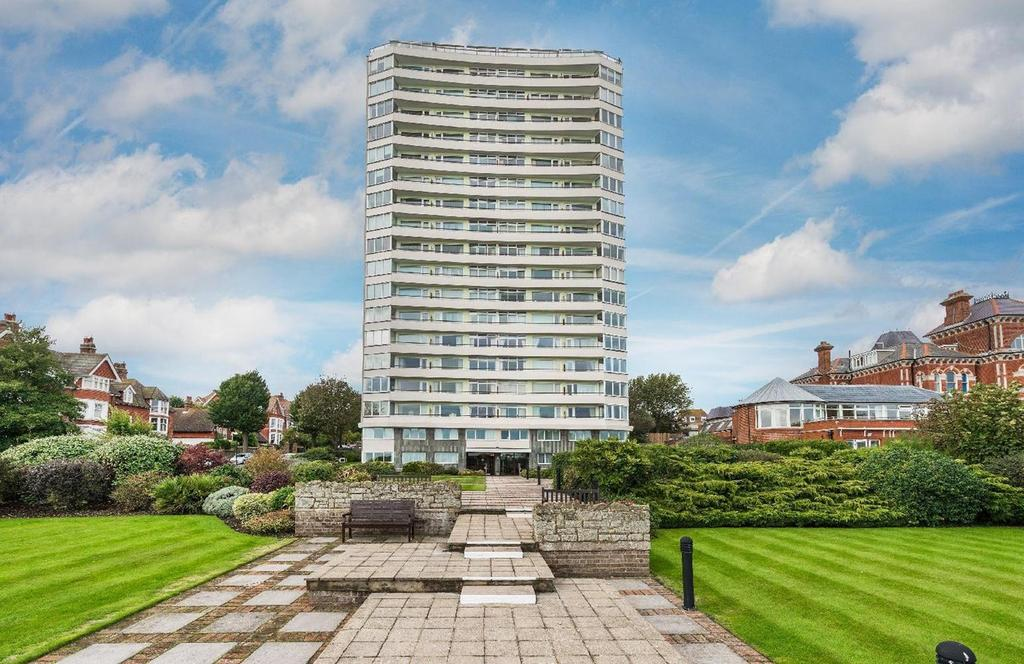 2 Bedrooms Apartment Flat for sale in Bolsover Road, Eastbourne, BN20