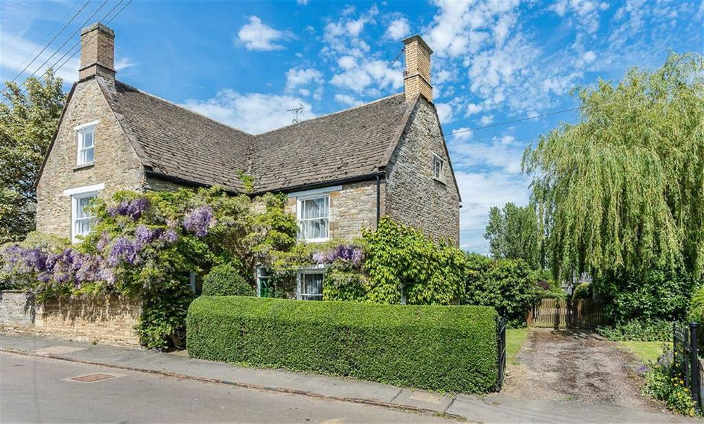 6 Bedrooms Detached House for sale in High Street, Morcott, Rutland