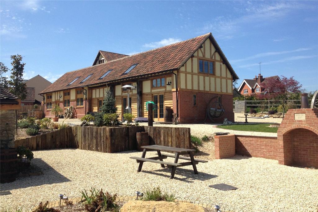 4 Bedrooms Detached House for sale in Cowbridge Farm, Swindon Road, Malmesbury, Wiltshire