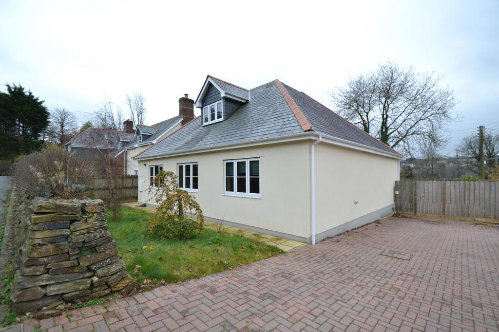 4 Bedrooms Detached House for sale in Bracken Close, Rhind Street