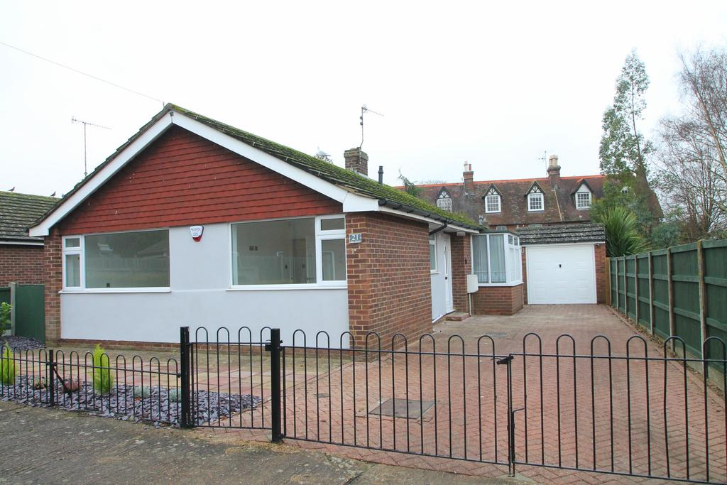2 Bedrooms Detached Bungalow for sale in New Street, Wincheap CT1