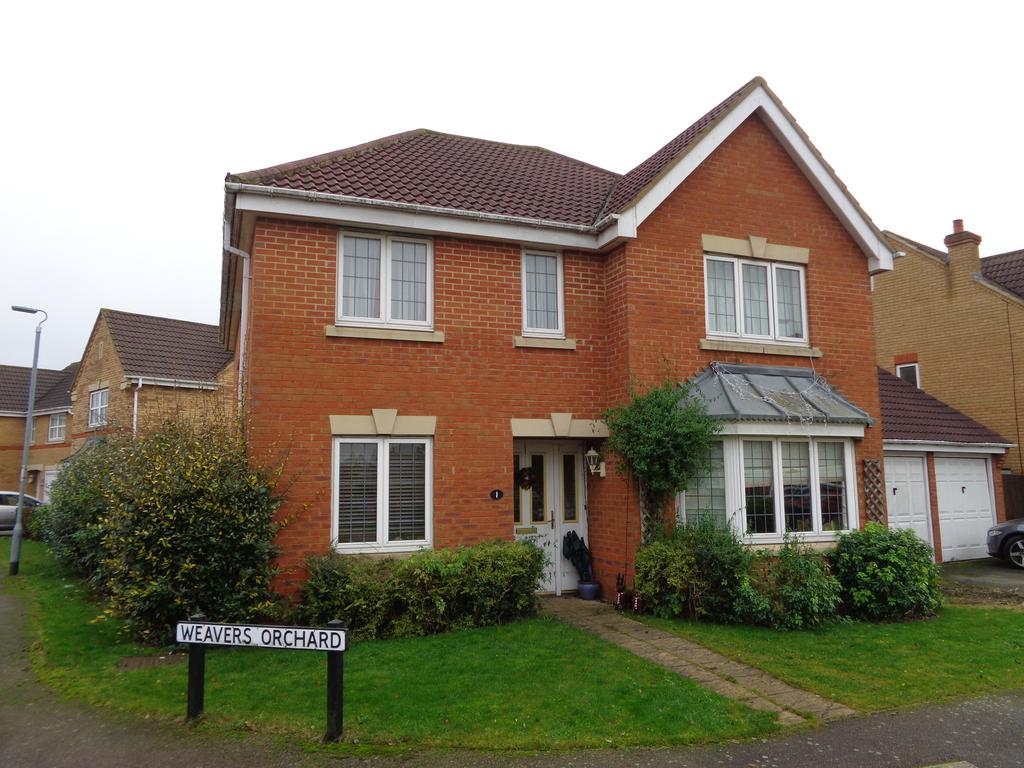 4 Bedrooms Detached House for sale in Weavers Orchard, Arlesey, SG15 6PD