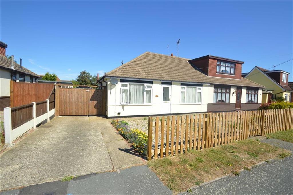 2 Bedrooms Semi Detached Bungalow for sale in Lascelles Gardens, Ashingdon, Essex