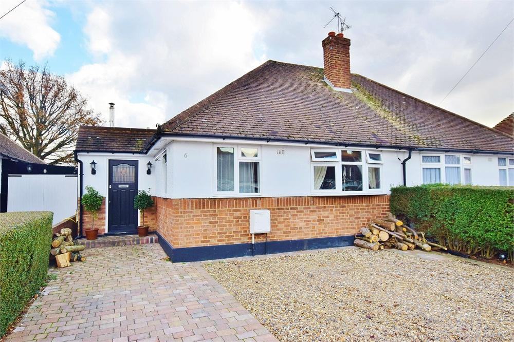 4 Bedrooms Semi Detached Bungalow for sale in Highwood Avenue, Bushey, North Bushey, Hertfordshire, WD23